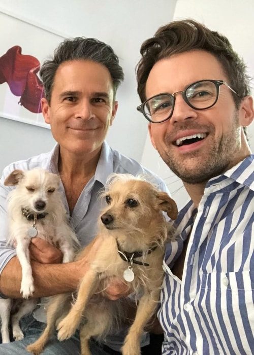 Brad Goreski taking a selfie with Gary Janetti in August 2018
