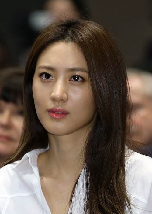 Claudia Kim at the signing of MOU between The Korea Film Commission and government authorities in 2014