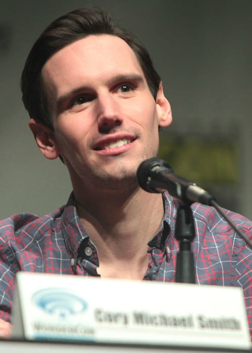 Cory Michael Smith speaking at the 2015 Wondercon