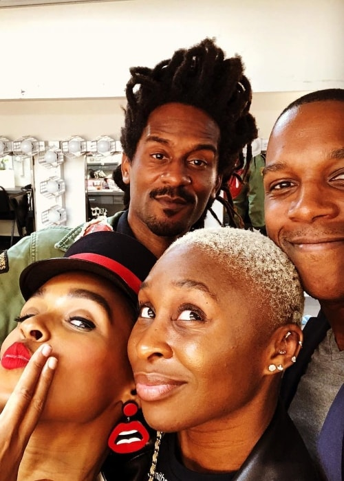 Cynthia Erivo in a selfie with her friends in June 2018