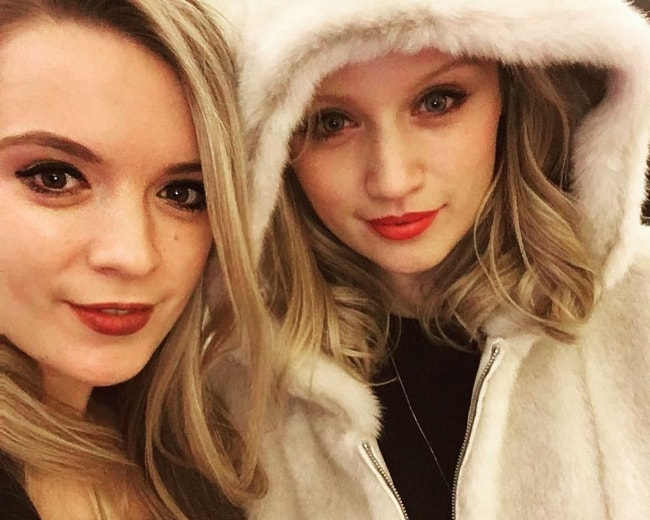 Emily Berrington (Right) at Chiltern Firehouse with sister Katie Berrington in February 2017