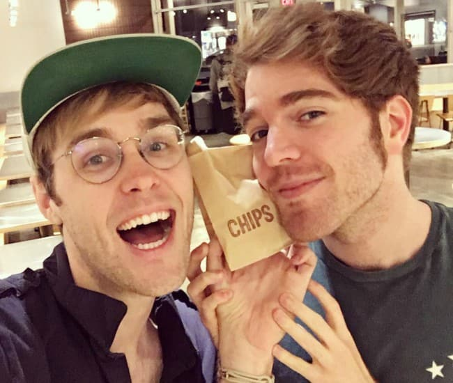 Garrett Watts (Left) and Shane Dawson in a selfie in April 2016