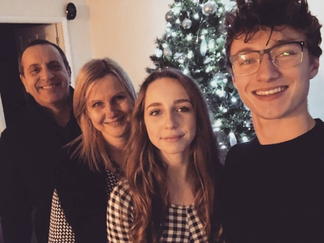 Harrison Osterfield in a Christmas selfie with his family in December 2017