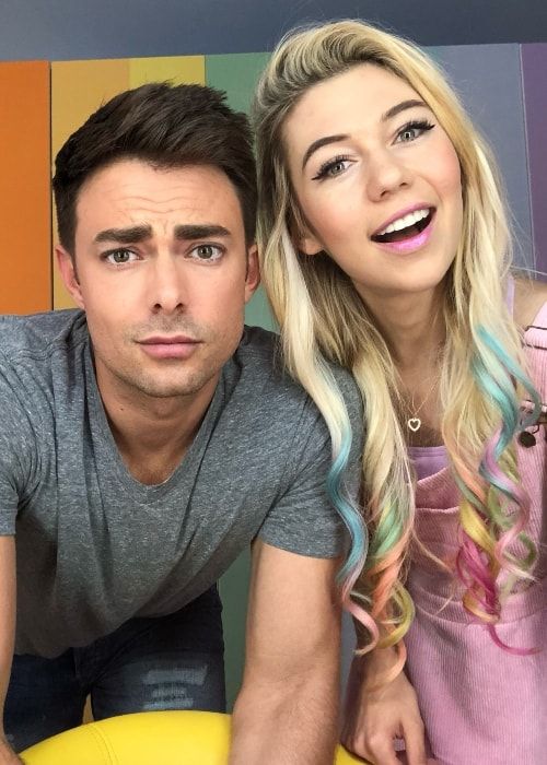 Jonathan Bennett with Jessie Paege in September 2018