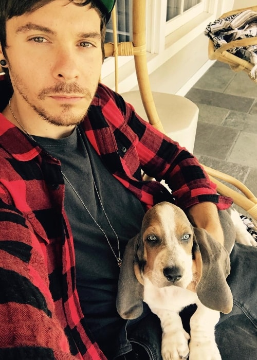 Matthew Koma in a selfie with his dog in October 2017