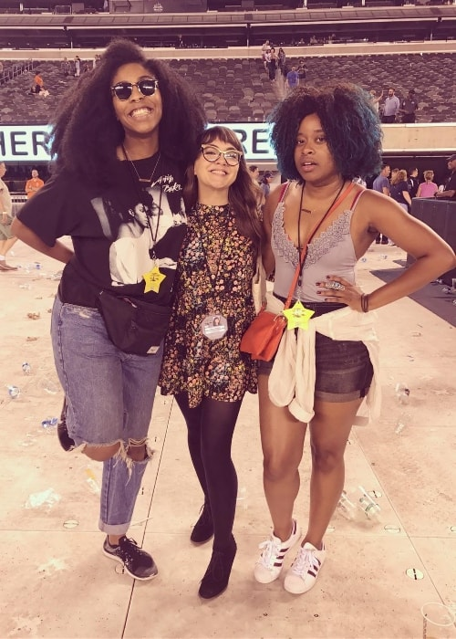 Neyla Pekarek with Jessica Williams (Left) and Phoebe Robinson (Right) at MetLife Stadium in June 2017