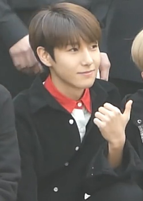 Renjun going to a Music Bank recording in April 2018