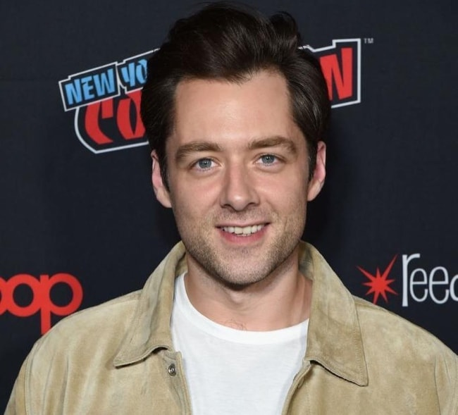 Richard Rankin as seen at the 2018 New York Comic-Con