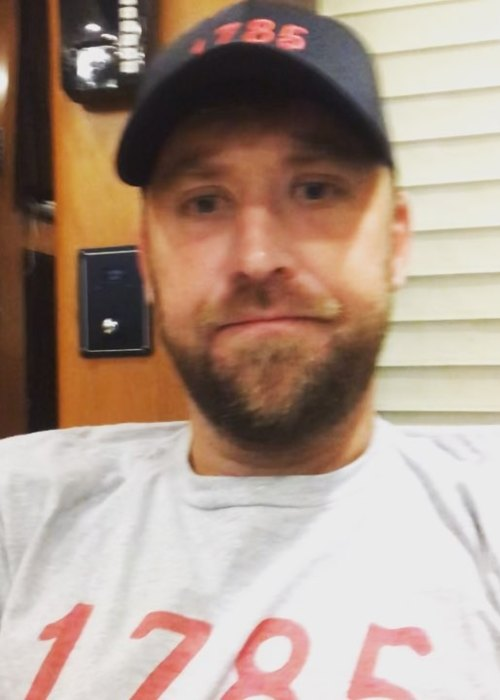 Charles Kelley in an Instagram selfie as seen in October 2018