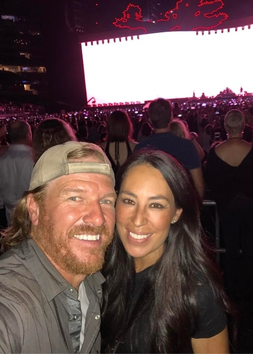 Chip Gaines in a selfie with Joanna Stevens Gaines in May 2017