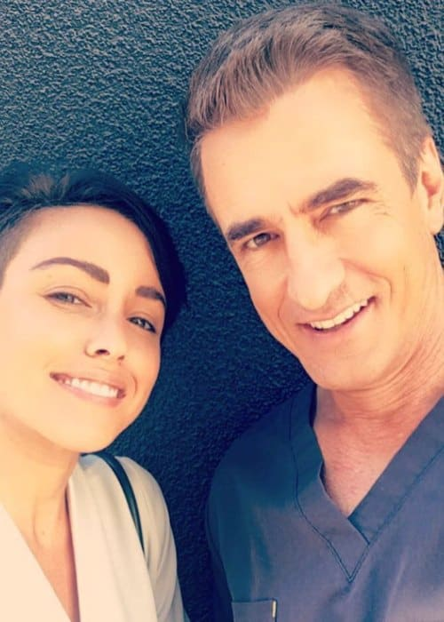 Dermot Mulroney and Raychel Diane Weiner in a selfie in October 2018