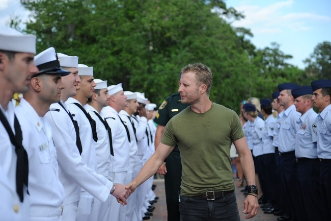 Dierks Bentley meeting the service members before his concert for the Players Championship at the Tournament Players Club Sawgrass in May 2013