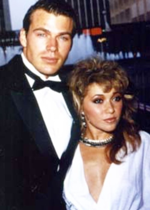Elizabeth Daily in a picture with late Jon-Erik Hexum