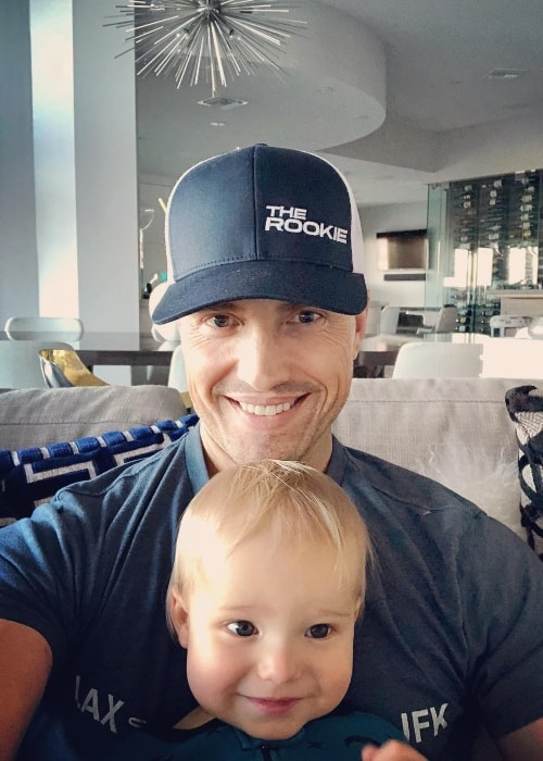 Eric Winter in a selfie with his son in October 2018