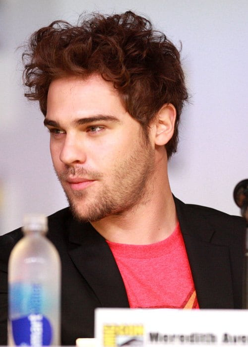Grey Damon speaking at the 2013 San Diego Comic Con International