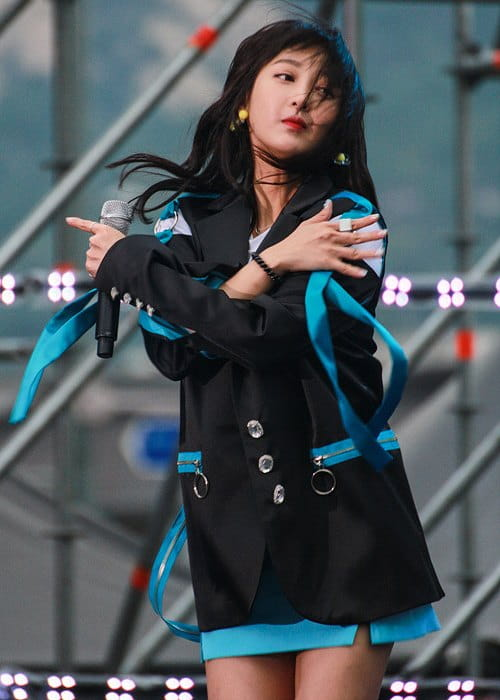 Hyelin during a performance in August 2017