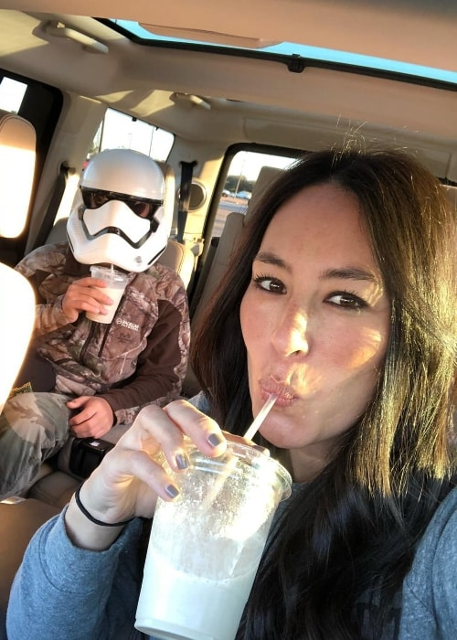 Joanna Gaines in a Friday selfie in January 2018