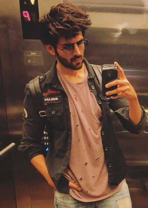Kartik Aaryan in a selfie as seen in July 2018
