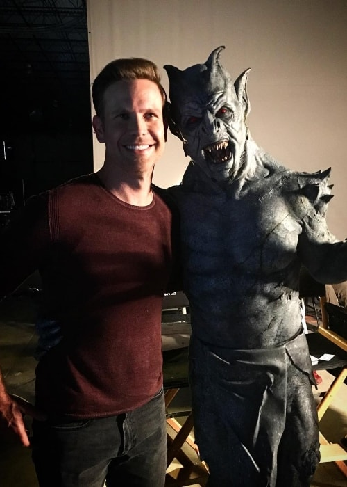 Matthew Davis (Left) posing with Gargoyle in November 2018