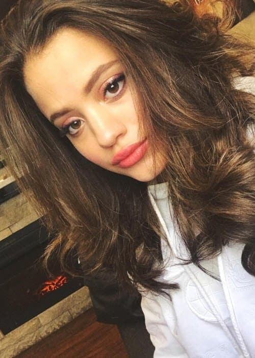Sarah Jeffery in a selfie in September 2018