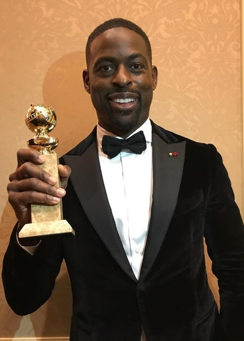 Sterling K. Brown with his Golden Globe Award in January 2018