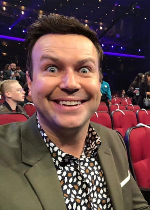 Taran Killam in a selfie at the American Music Awards in 2018