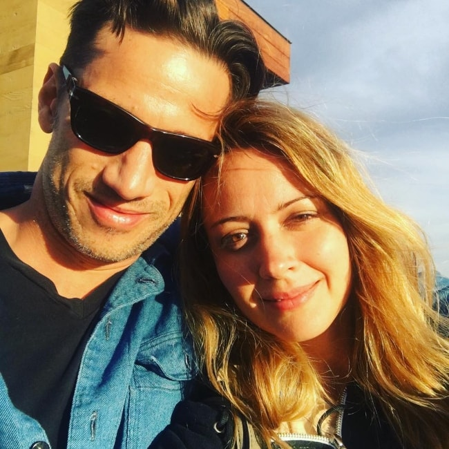 Amy Acker in a selfie with James Carpinello in April 2017