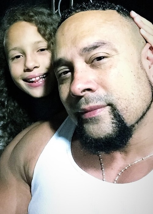 Chino XL in a selfie with his daughter in October 2018