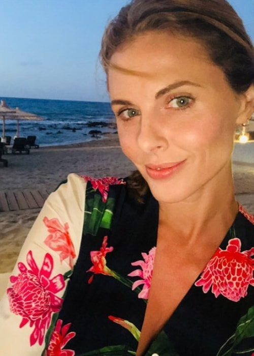 Donna Air in a sunset selfie in August 2018