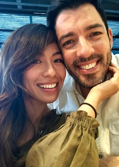 Drew Scott in a selfie with Linda Phan in September 2018
