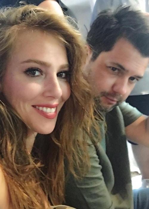Elçin Sangu in a selfie with Yunus Özdiken in Mykonos in August 2017