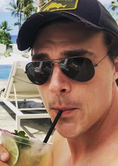 Finn Wittrock in an Instagram selfie as seen in October 2018