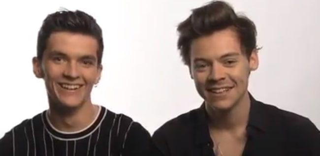 Fionn Whitehead (Left) with Harry Styles