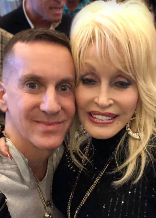 Jeremy Scott and Dolly Parton in a selfie in December 2018