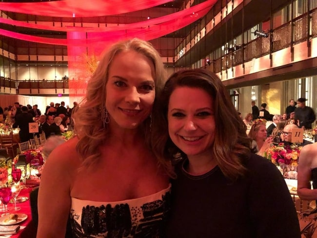 Katie Lowes (Right) with Elina Garanca in September 2018