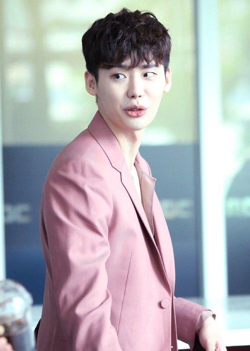 Lee Jong-suk as seen in July 2016