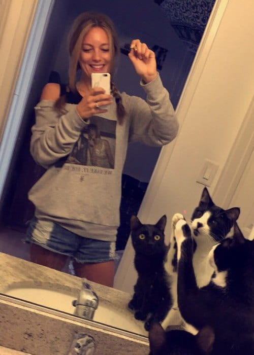 Leila George D'Onofrio in a selfie with her cats as seen in May 2016