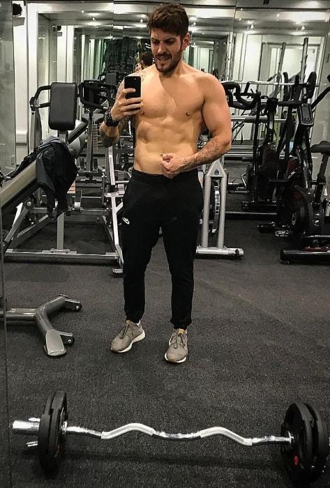 Luke Zocchi in a gym selfie in September 2018