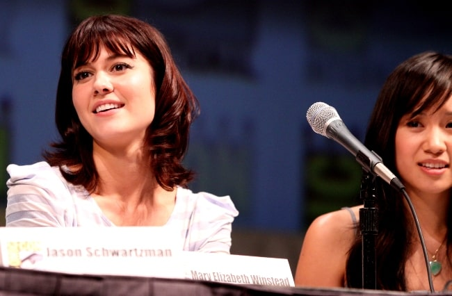 Mary Elizabeth Winstead (Left) and Ellen Wong at the 2010 San Diego Comic-Con