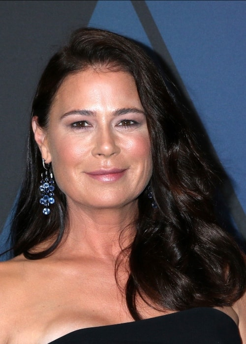 Maura Tierney looking radiant during an event