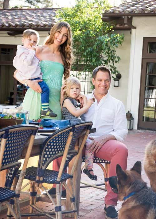 Michael Weatherly with his family as seen in November 2018