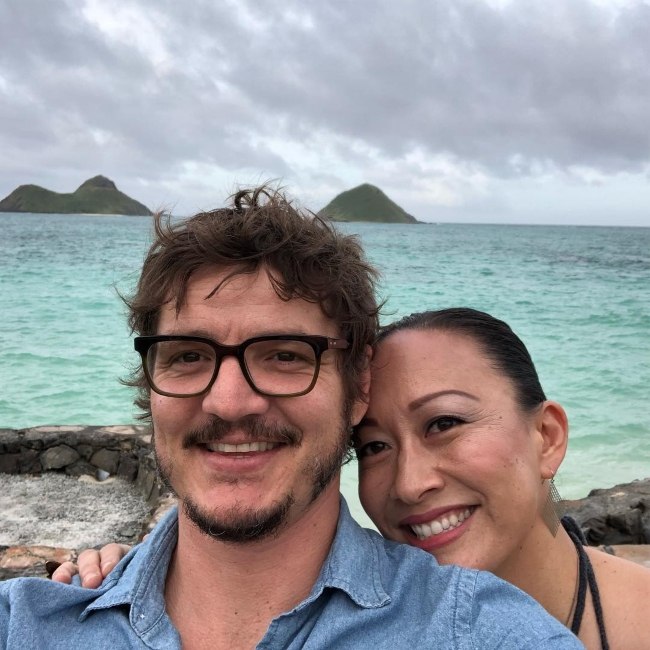 Pedro Pascal in a selfie with Grace Rowe in April 2018