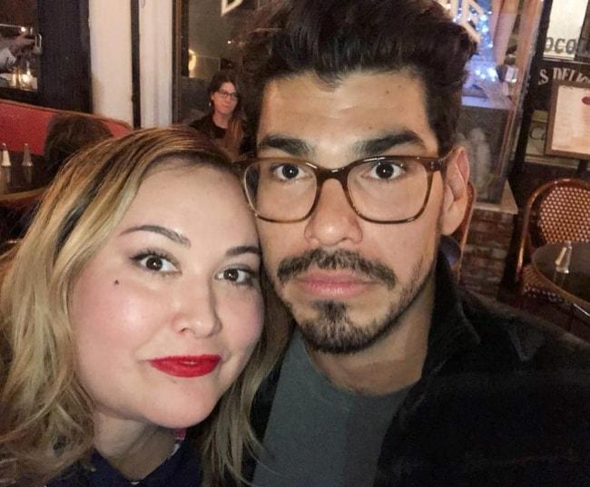 Raúl Castillo in a selfie with Tanya Saracho in April 2018