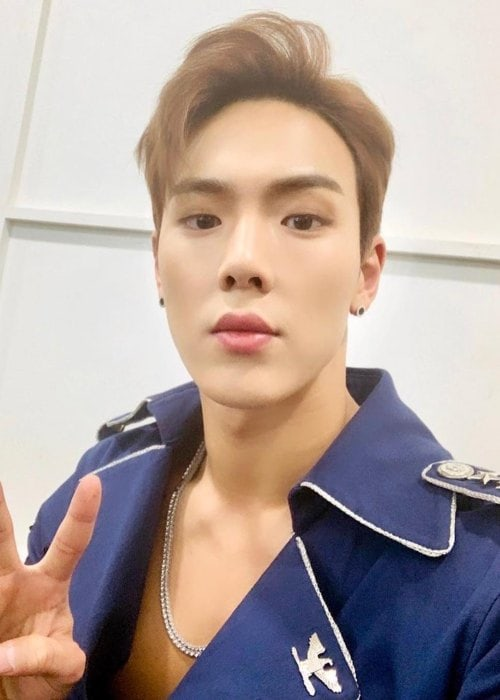 Shownu in a selfie in November 2018