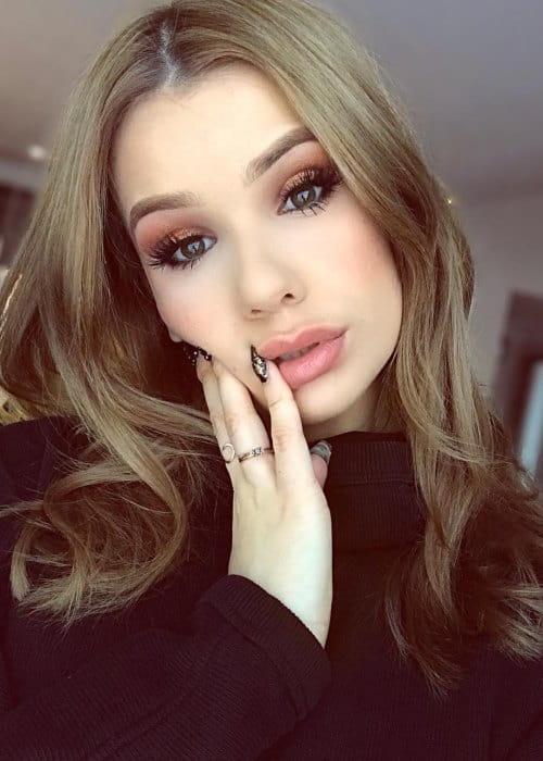 Sylvia Gani in an Instagram selfie as seen in January 2018