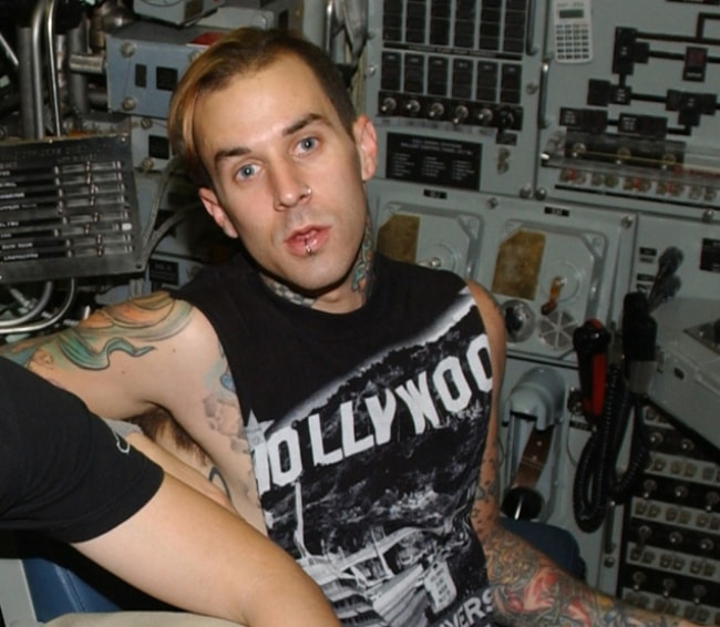 Travis Barker inside the nuclear-powered attack submarine USS Memphis (SSN 691) in Manama, Bahrain in August 2003