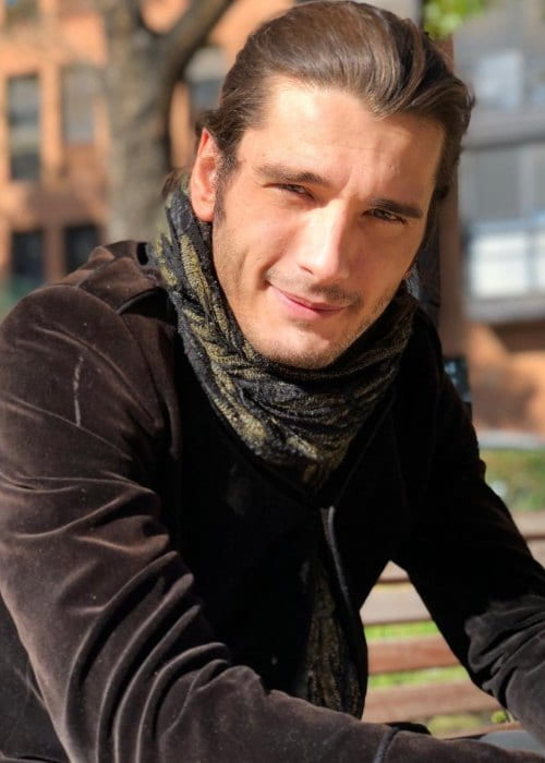 Yon Gonzalez Height Weight Age Girlfriend Family Facts Biography Página dedicada a yon gonzález,actor español. yon gonzalez height weight age