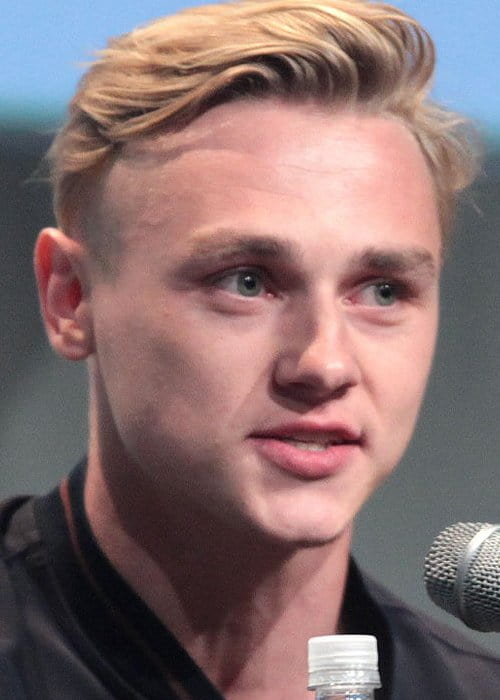 Ben Hardy speaking at the 2015 San Diego Comic Con International