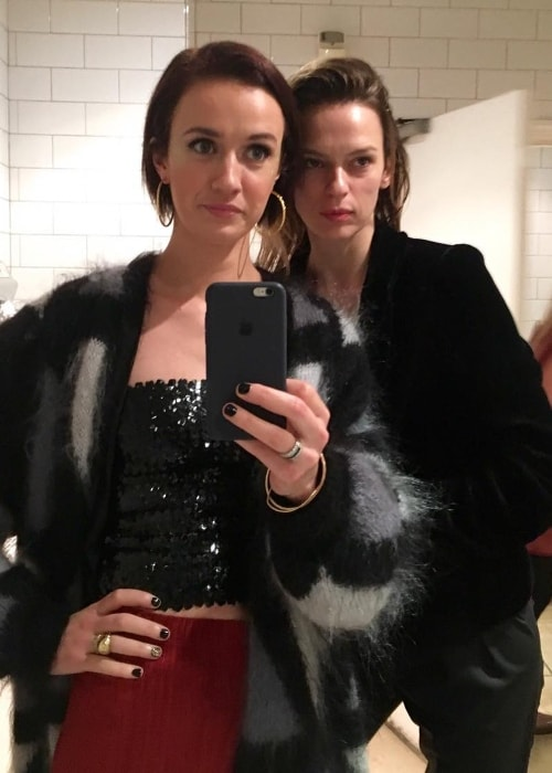 Elise Crombez (Right) in a mirror selfie with Martica in January 2017