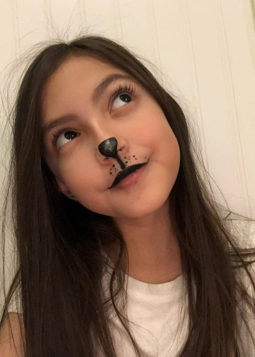 Elle Paris Legaspi in a Halloween selfie in October 2018